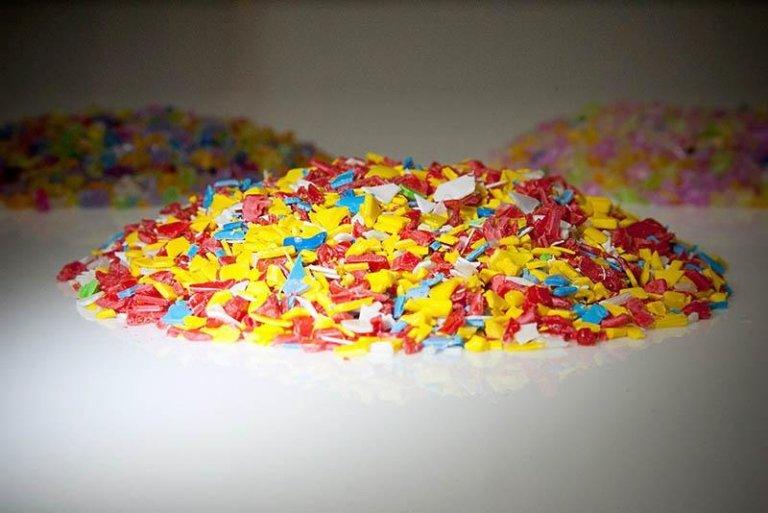 montagnette di materiale plastico