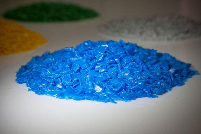 plastica reciclata blu