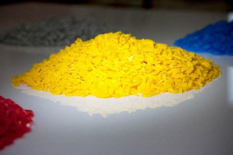 plastica reciclata gialla