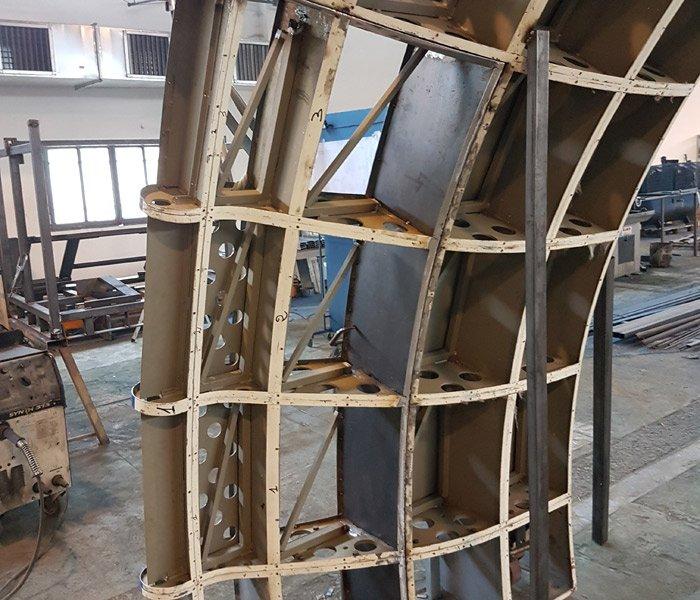lavorazione metallo nella carpenteria