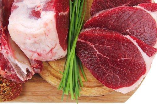 carne su un tagliere
