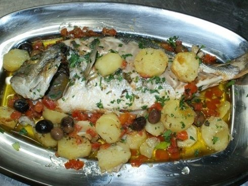 Pesce-con-patate-e-olive