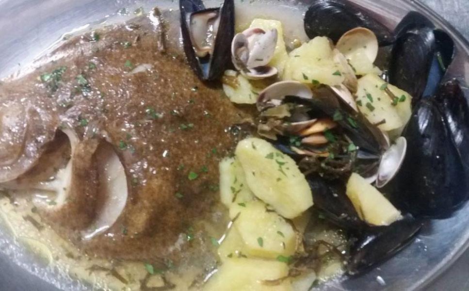 pesce al forno con patate e cozze
