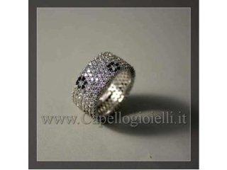 anello di zirconi