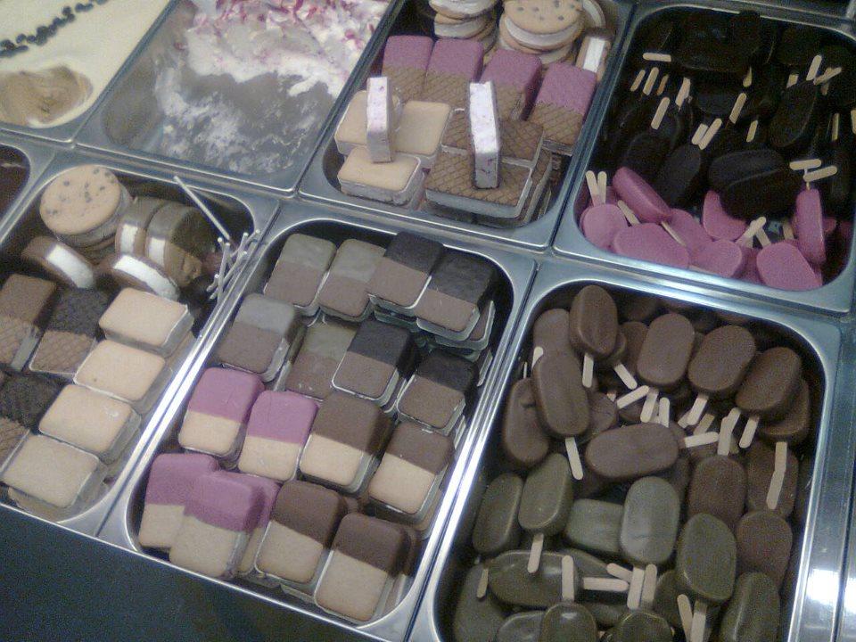 gelati e biscotteria assortita