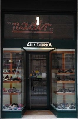 facciata del negozio nadir calzature