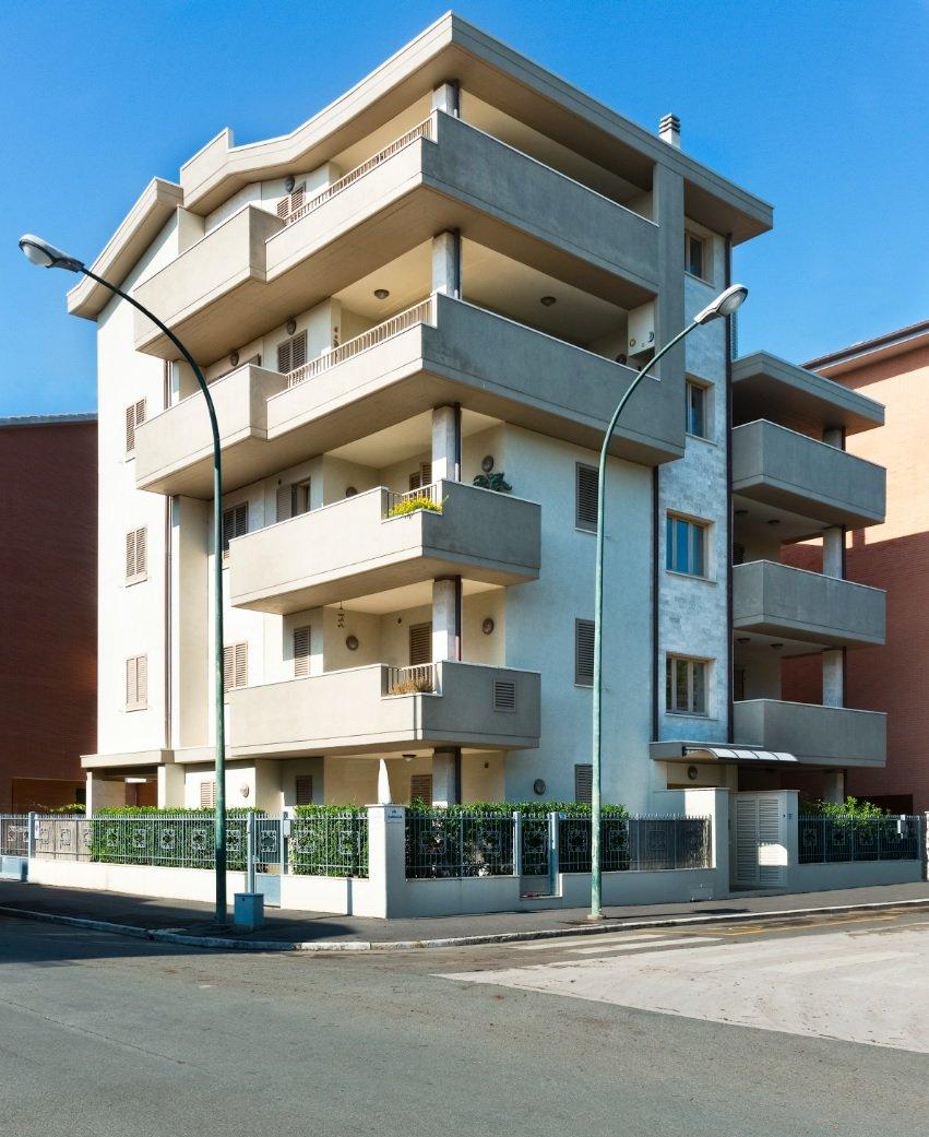 Palazzo con balconi