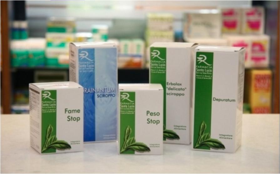 primo piano di alcuni prodotti dietetici creati dalla farmacia