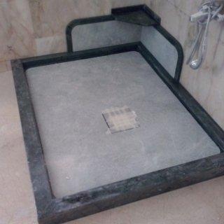 Box Doccia in marmo su misura
