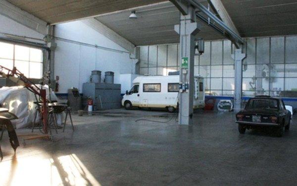 Riparazione autocarri e caravan