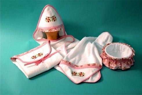 Set bagno con profili rosa