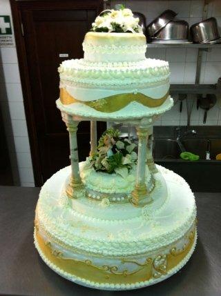 torta nuziale a due piani