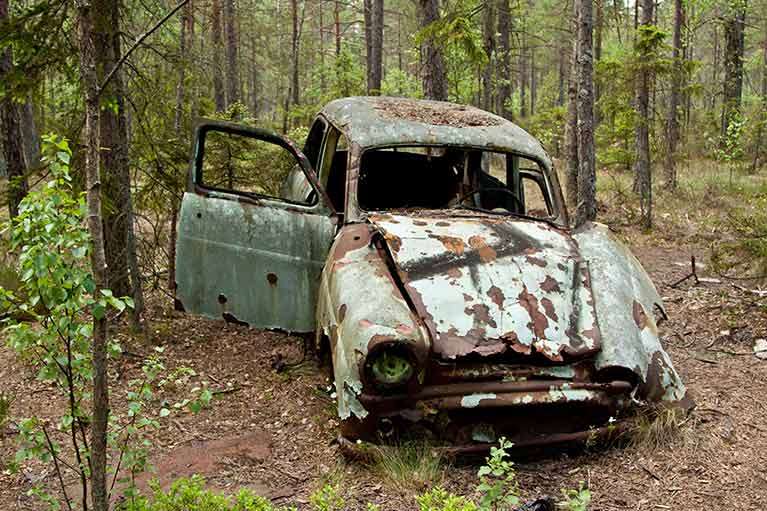 rusted-car
