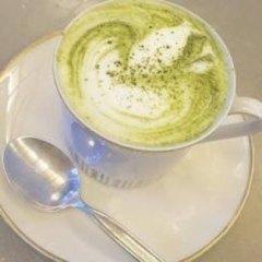 macha, tè verde giapponese, cappuccino senza caffè