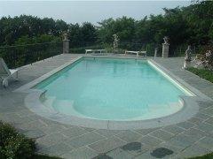 Pavimento e bordo piscina di luserna