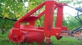 Macchine agricole, riparazione macchine movimento terra, telai di protezione, aratro