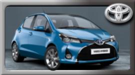 toyota yaris Hibrid, utilitaria blu, auto elettrica