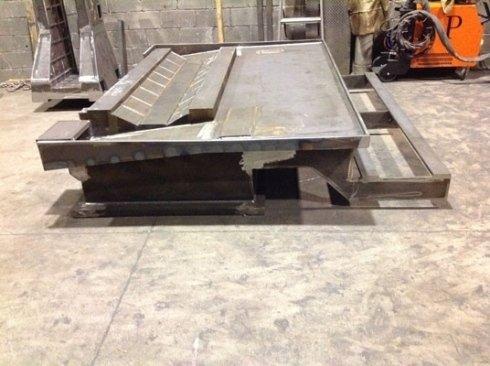 Basamenti in ferro per macchine industriali