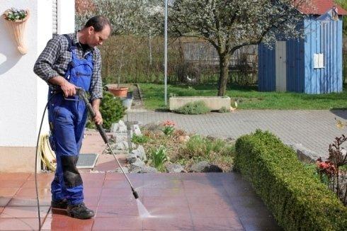 pulizia enti pubblici, pulizia giardini, pulizia impianti sportivi