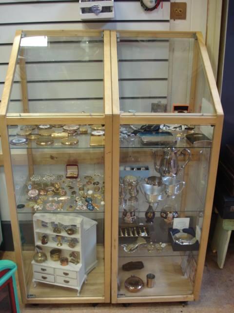stylish jewellery pieces