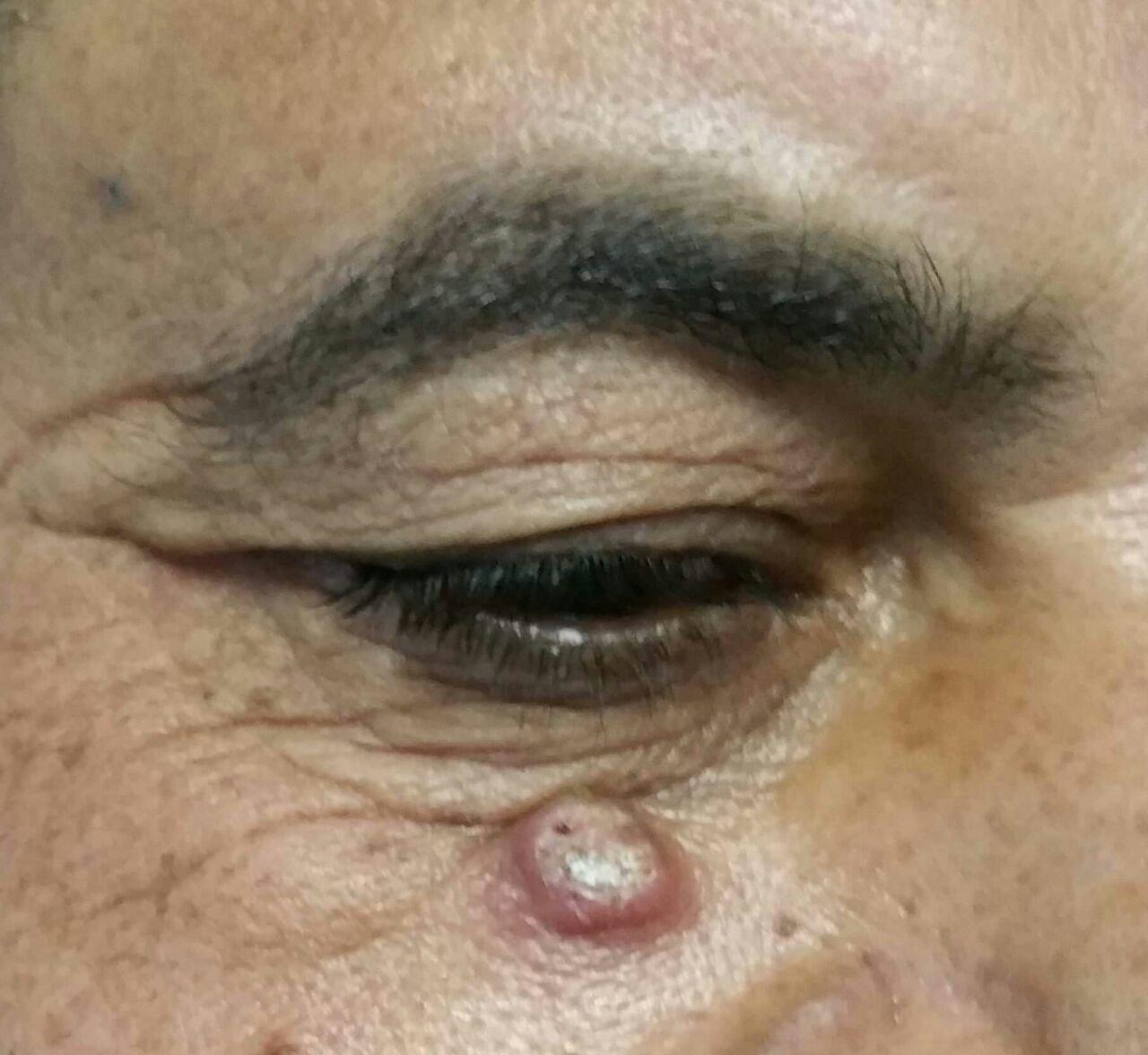 Dettaglio dell'occhio di una persona
