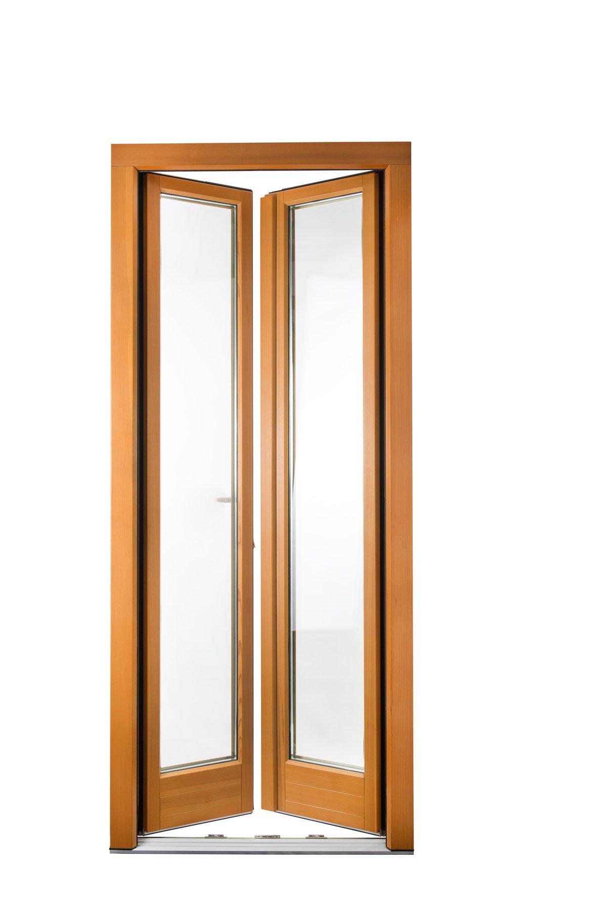 porta finestra in legno chiaro