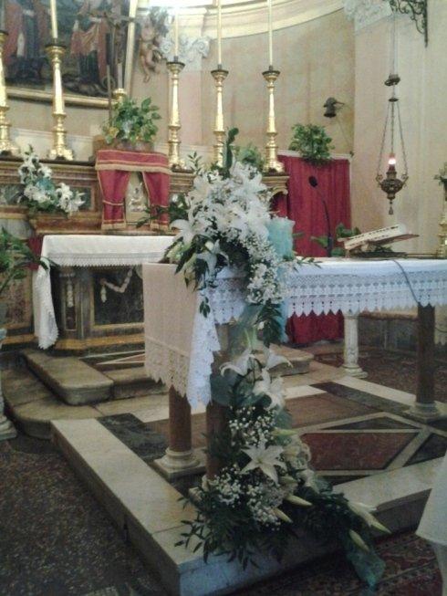 Addobbo altare per cerimonie
