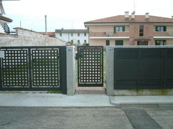 posa cancello Serramenti Degano