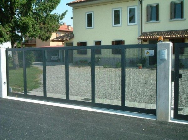 cancello muro Serramenti Degano