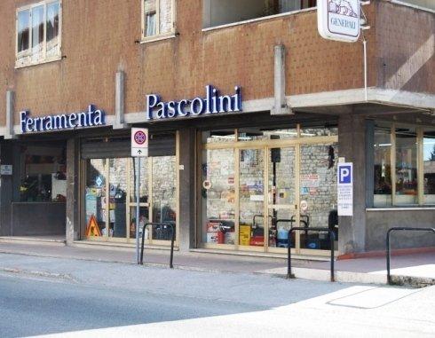 Ferramenta Pascolini, Gubbio (PG), esterno ferramenta