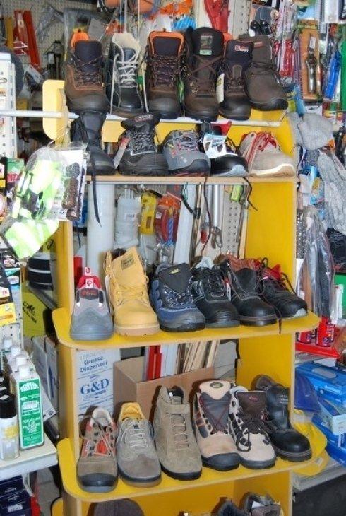 Ferramenta Pascolini, Gubbio (PG), scarpe antinfortunistiche
