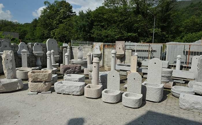 Fontana Giardino Pietra : Fontane in pietra quarona vercelli guglielmi carlo snc