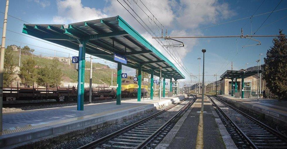 pensiline per stazioni ferroviarie