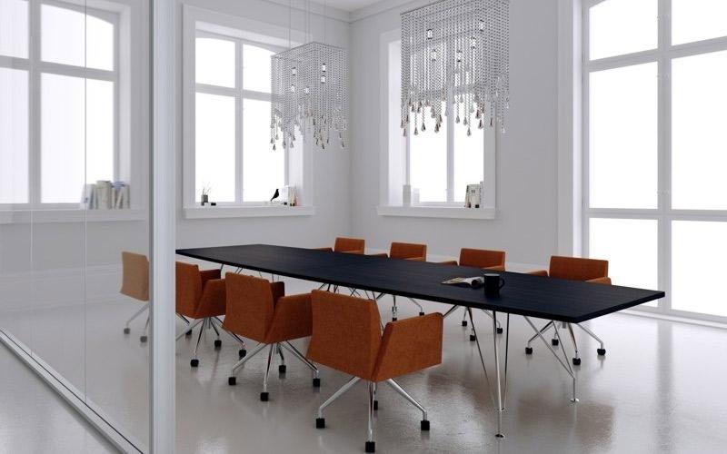 scrivania grande per riunioni