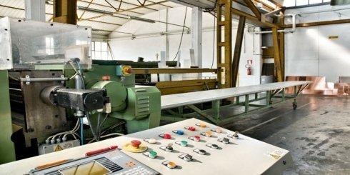 macchine computerizzate di precisione per la lavorazione delle lamiere
