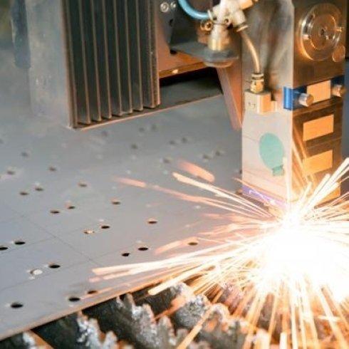 macchina a taglio laser lamiere