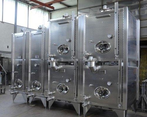 Tanks für Weinlagerung