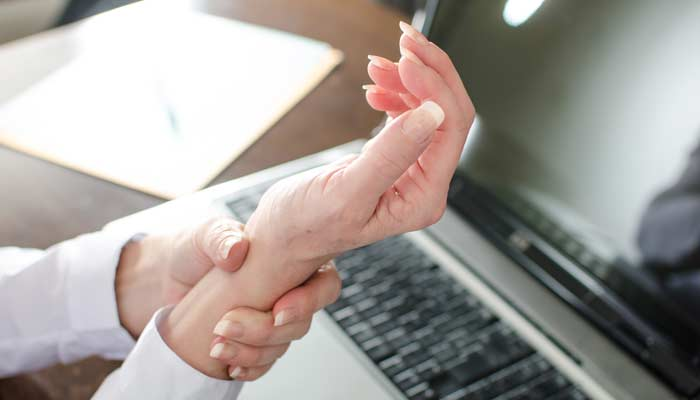Carpal Tunnel Treatment NYC - Dr. Michael Minond NYC Chiropractor