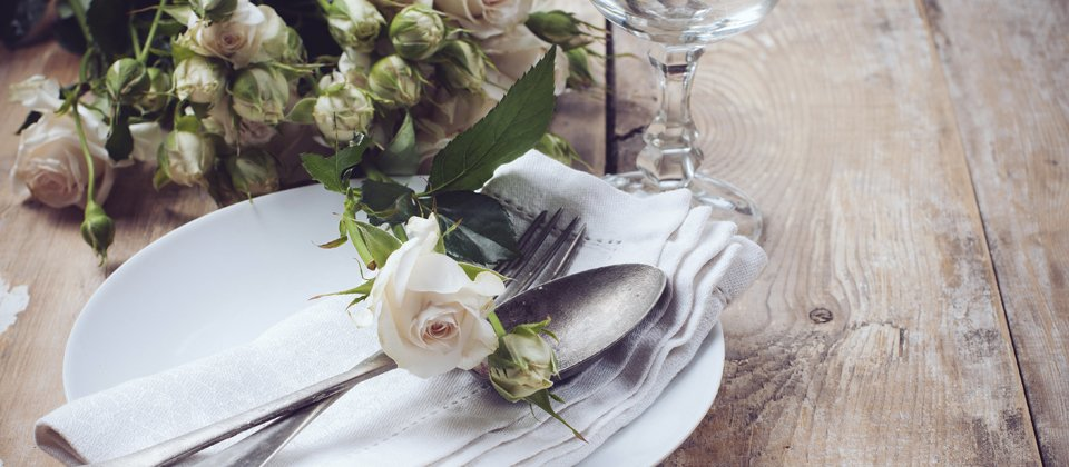 Rustic place setting for a wedding by Keeley's Kitchen in Surrey