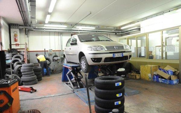vendita pneumatici auto