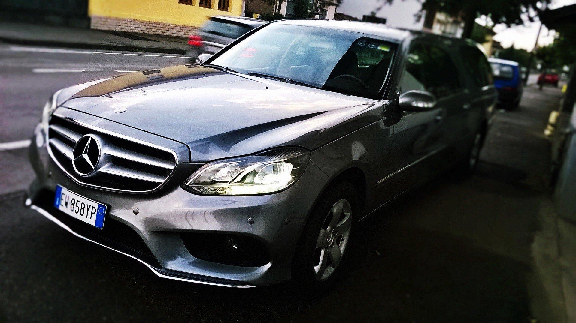 La nostra Autofunebre Mercedes Limousine