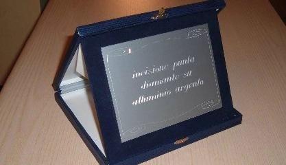 incisione a diamante su alluminio argento