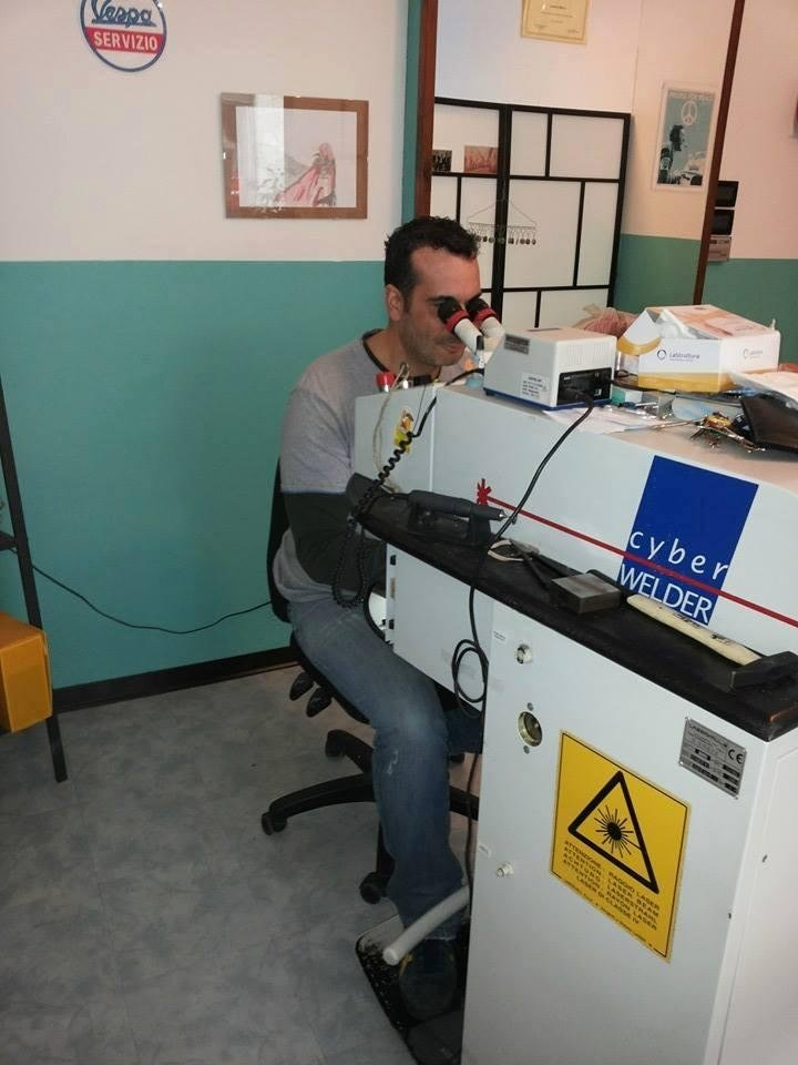 Operatore saldatura laser