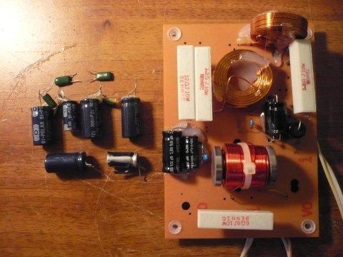 Sostituzione condensatori crossover