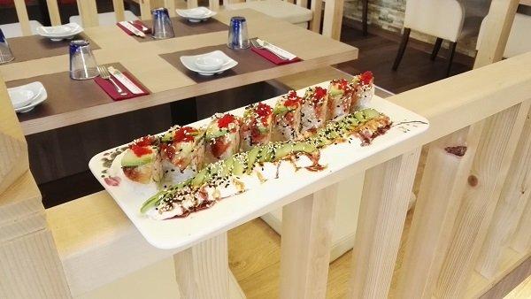 Interni del ristorante giapponese Cizru a Novara