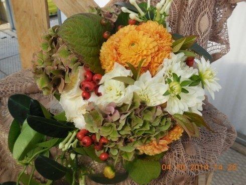 bouquet con fiori autunnali