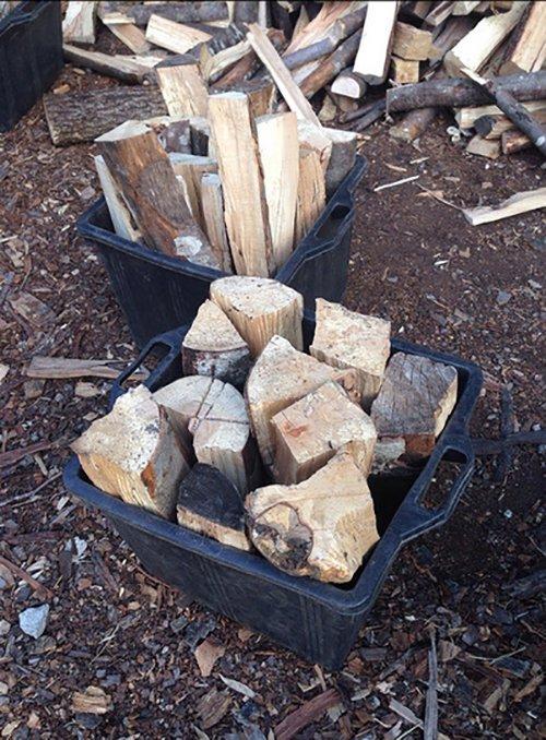 legna da ardere sui contenitori