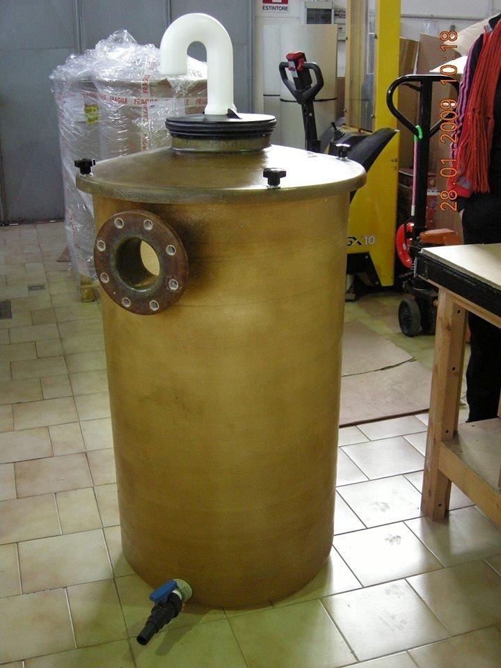 produzione di cisterne in plastica