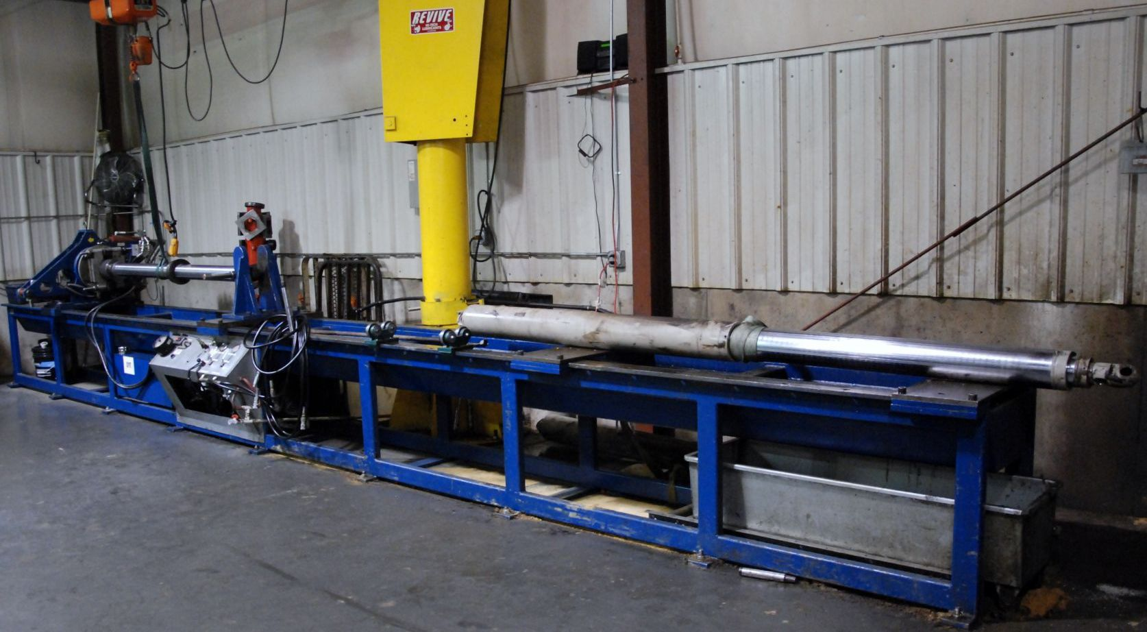 Disassembly table for cylinder repair and testing