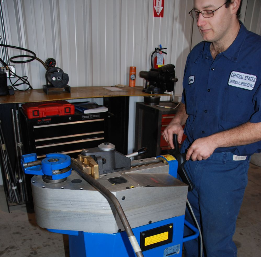 Machine to bend steel line